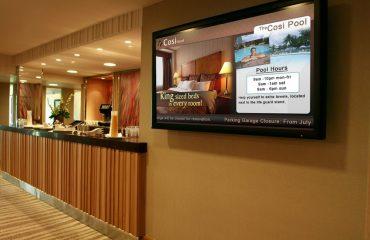 Защо Digital Signage решенията са мощен инструмент за повече продажби в обектите на хотела?